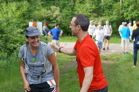 I got jokes with Jen at Bluff Road during the Kettle Moraine 100. (Image courtesy of Kelly Gaines)