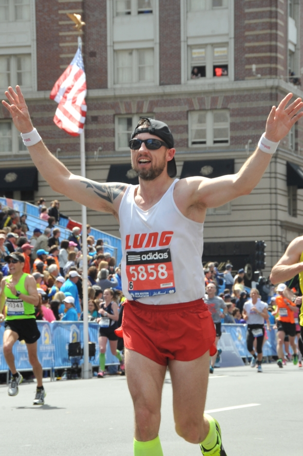 boston marathon 2014 finish photo on Boylston jeffery lung